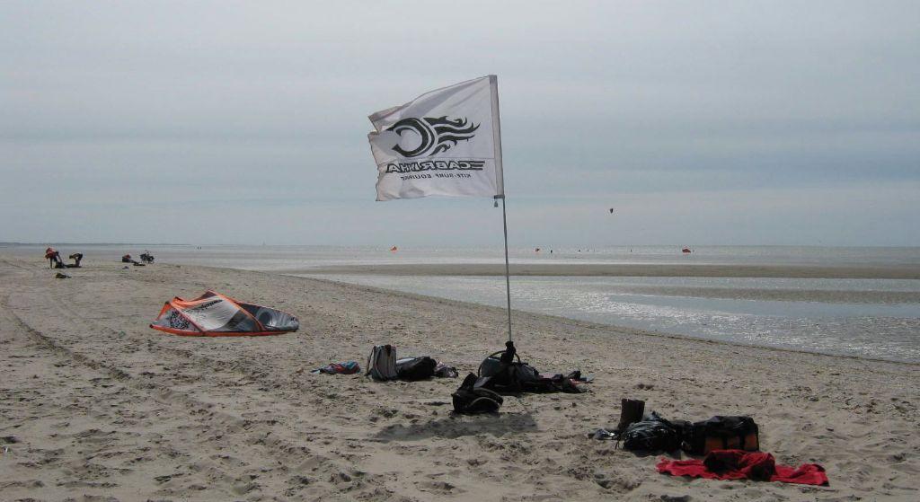 Oostvoorne-kiteschool-surfensoul-flag
